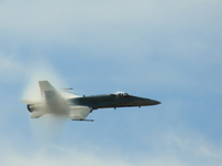 20080810121940_view--f18_super_hornet_sonic_boom