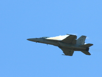 20080810150105_view--f18_super_hornet_sonic_boomb