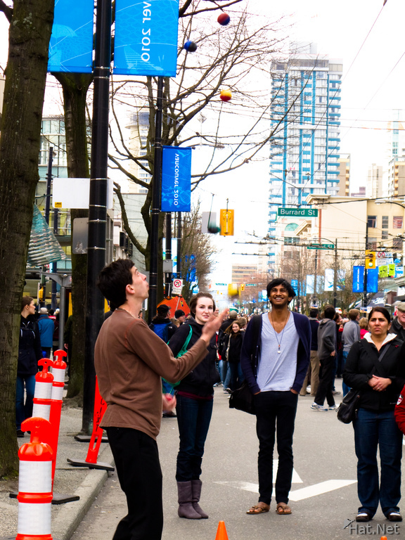 ball juggler on robson