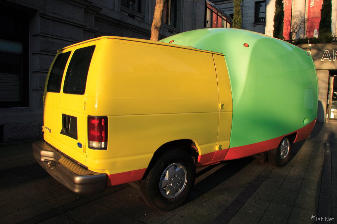headless van outside vancouver art gallery
